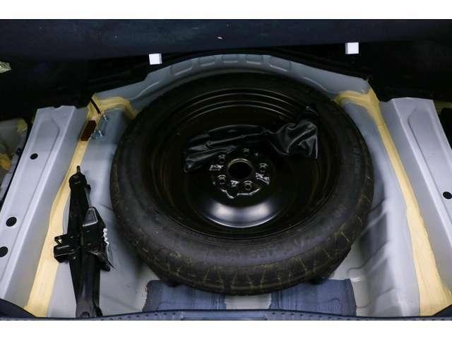 ●現行車では少なくなってきたスペアタイヤも装備☆いざという時にも安心です!!0066-9707-40630013804