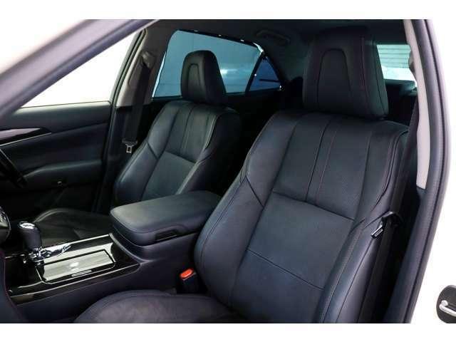 ●足元広々で、ゆったり座れる助手席です長時間のドライブも楽しめそうです♪●