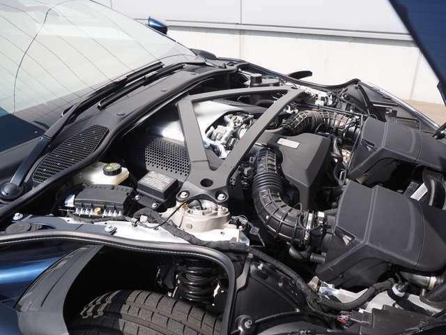 4.0リッターV8エンジン