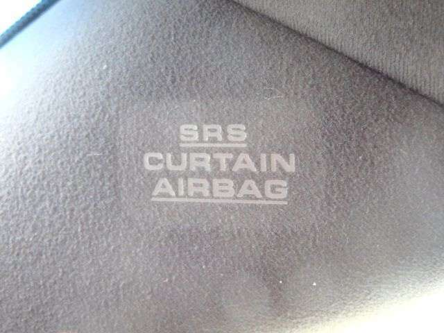 エアバックも充実しており安心してお乗り頂けます