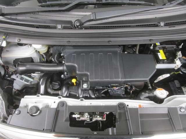 660CCインタークーラーターボエンジン搭載!!高速道路の合流や信号待ちからの発進でも余裕を持った運転が出来ます。