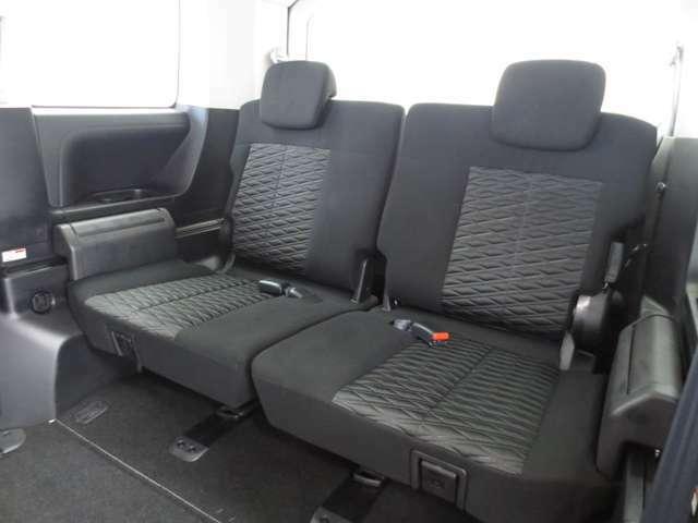 サードシート付き乗車定員8人乗のD:5です。