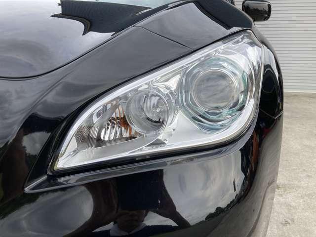 ヘッドライトが綺麗なお車は見た目もいいですね♪