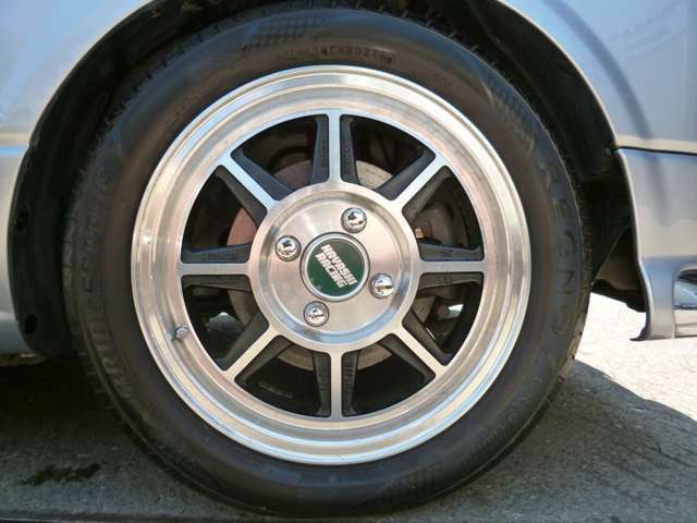 ハヤシストリートホイール!レグノ履き!こちらの車は現状履いているタイヤの山が十分残っていて、グレードが高いので新品交換しておりません。ご希望があれば新品タイヤ(ブリジストンネクストリー)に交換可能です