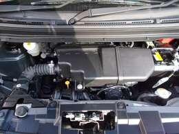 ご納車の前にサービス工場で点検整備(法定12ヶ月点検)を行い、エンジンオイル・オイルフィルター・ワイパーゴム等を交換いたします。