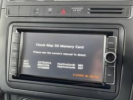 純正SDナビ装備。フルセグTV、DVD再生、Bluetoothなど機能も充実しております。