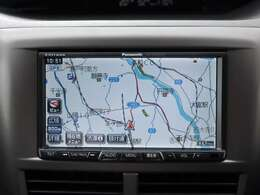 【HDDナビ】こちらのお車はHDDナビを装備しております。高性能なナビ機能の他、フルセグTV、CD音楽の自動録音、DVDビデオも可能にできます。ドライブ中の楽しみも増え、便利でお得な装備でございます
