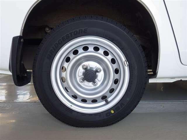 装着タイヤ(155/80R14)スチールホイール付き夏タイヤ