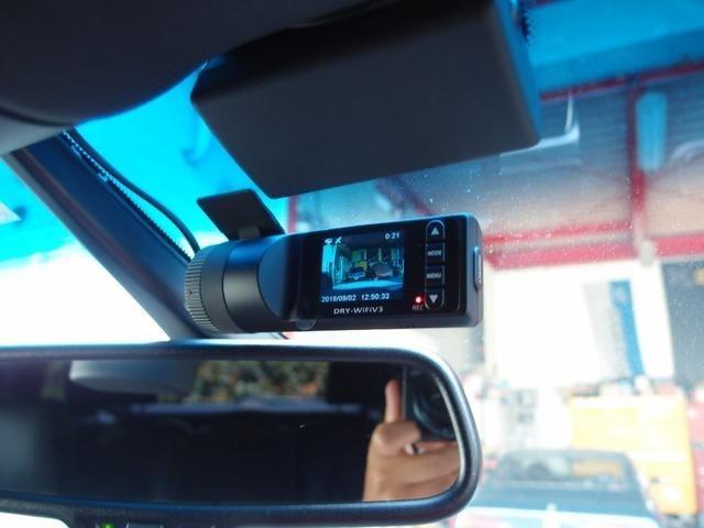 常識になりつつあるドライブレコーダーも装着!