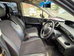 運転席の画像です!