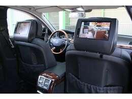 ■ストラーダリアツインモニターを装着しております!■ロングボディのラグジュアリーパッケージですのでマッサージ機能付きで後席も快適にお乗り頂けます!■