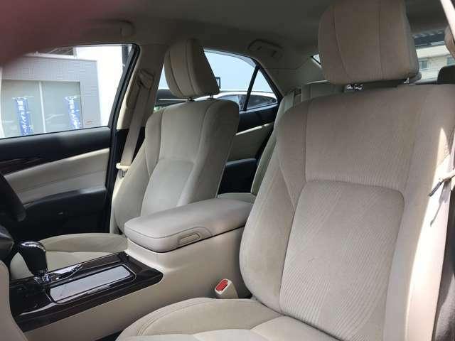 ◆弊社の在庫車両をご覧くださいまして、誠にありがとうございます。お車の詳細やご納車までの流れについて等、どうぞご遠慮なくお問い合わせください。◆サンコーエアポート神戸本店 TEL:078-803-8345