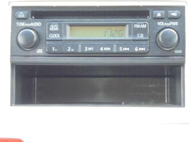 CD&AM/FMチューナーが付いております。 フロント2スピーカーになっております。