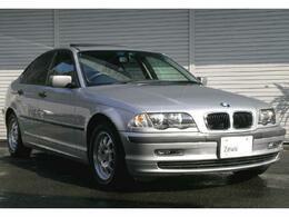 BMW 3シリーズ 318i サンルーフ