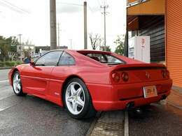 ボディーカラーはフェラーリ人気のレッドカラー、ロッソコルサです!程度良好です!