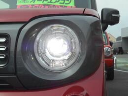 暗い夜道を明るく照らす『LEDヘッドランプ』を標準装備!!この明るさ・・・クセになる☆