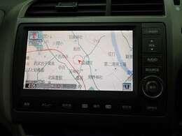純正HDDナビ、とても見やすく手前にあるスイッチでサクサク操作可能です。