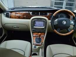 内外装機関コンディション良好な限定車ソブリン入庫です!