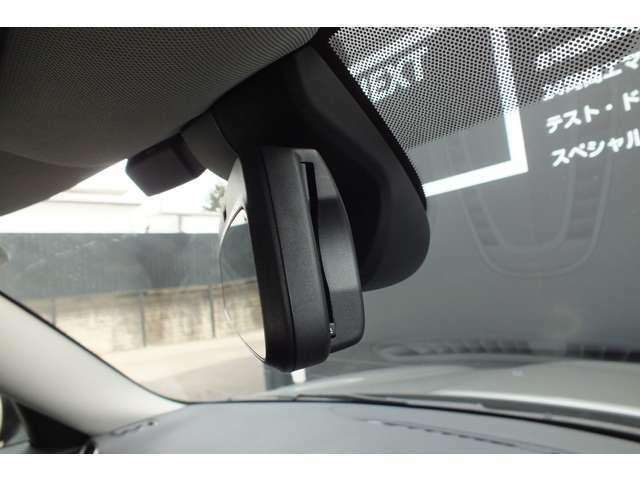 ルームミラー内臓ITSスポット対応ETC2.0車載器。