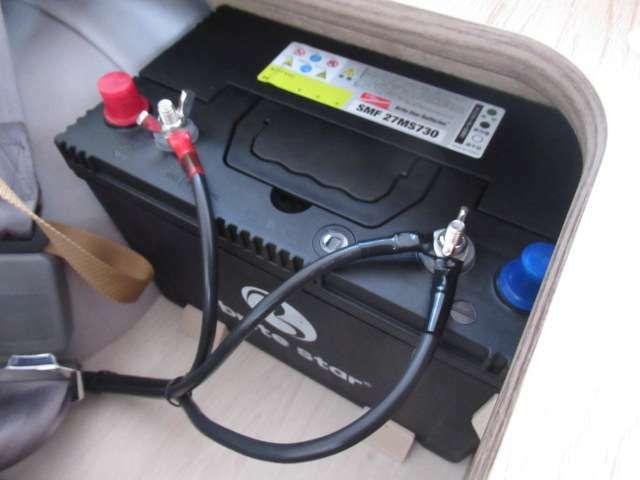 サブバッテリー、走行充電、外部充電、外部電源、400Wインバーター装備しております!サブバッテリー追加も可能!お気軽にご相談ください!