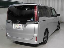 車内の3列シートは本当に魅力的です。行動範囲も広がって車内の会話もはずみますよ!