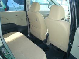 手触りの良いシート生地。ぜひ実車でご確認をお願い致します。