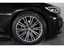新車BMW&MINI&モトラッドショールーム併設しております。ネスプレッソカフェ、キッズスペースもあり、ごゆっくりとお車をご覧いただけます!