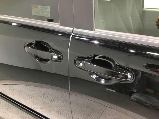 【ワンタッチパワースライドドア】たくさん荷物を持っていてドアノブが引けない。。。そんな時スイッチを押すだけ!!お子様でも簡単に開閉ができます!!