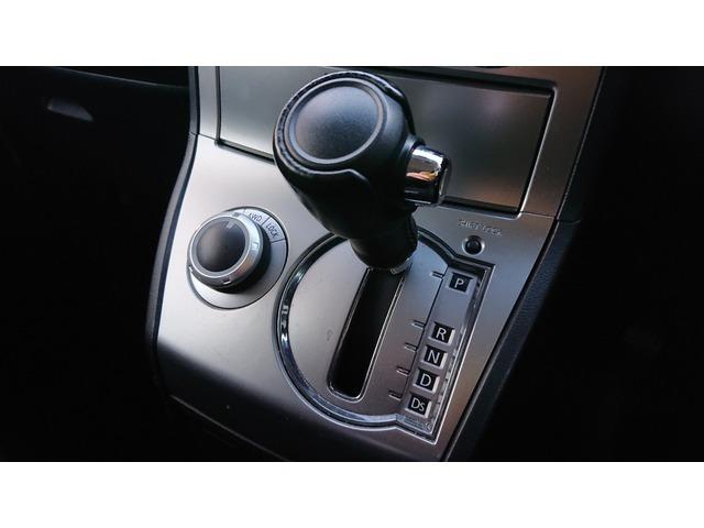 当社には車を熟知したサービススタッフやディーラーで経験豊富なサービスアドバイザーが在籍しております。購入時のカーライフアドバイスから購入後のメンテナンスまでお任せ下さい。