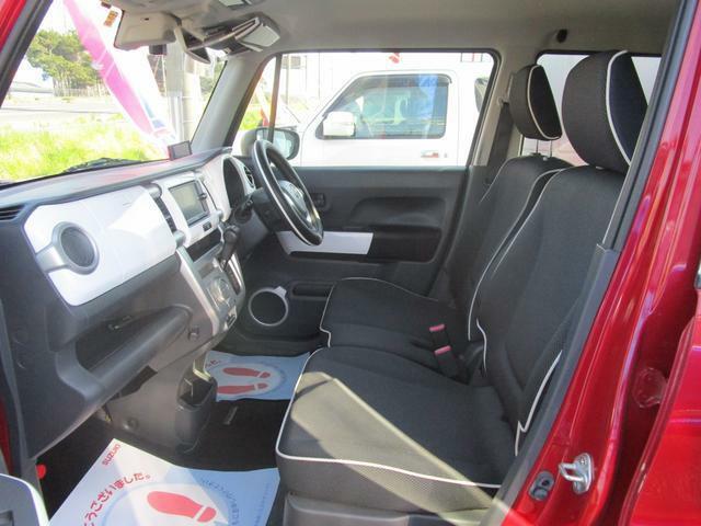 運転席はシートヒーターです。
