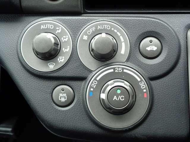 オートエアコン搭載です 車内を設定温度に保ちます