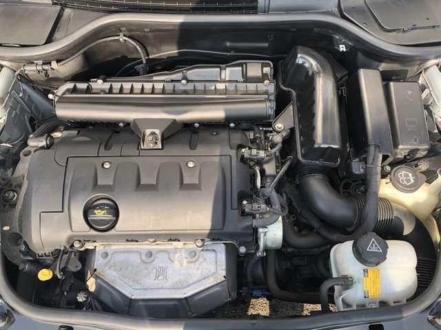 余裕の122馬力を叩き出す直列4気筒DOHC自然吸気エンジン(カタログ値)