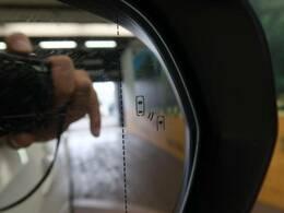 【ブラインドスポットモニター】運転席側、 助手席側、後方含む車外にいる他の 自動車 (車両)を検出するシステム ついてます☆