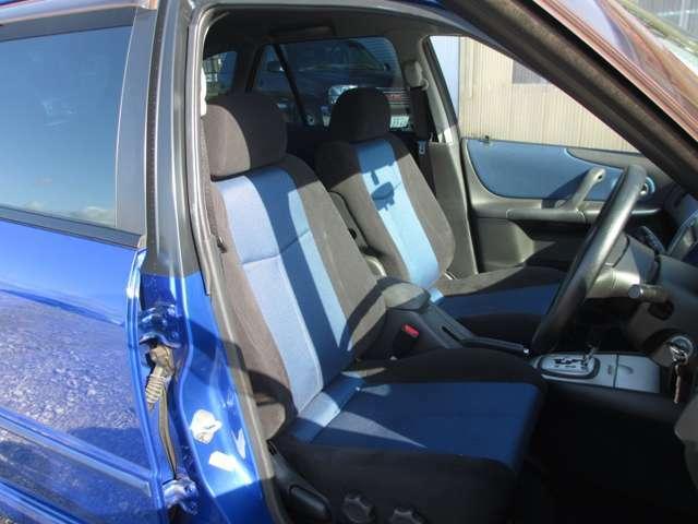 禁煙車でシートの焦げや嫌な臭いも御座いません。