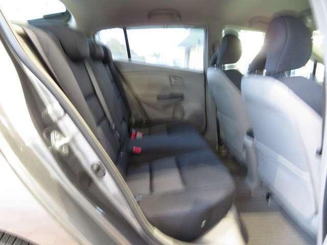 リアシートのフットスペースも広々!ゆったり座っていただけます!シートコンディションも良好です!ぜひ当店にてお確かめください!!
