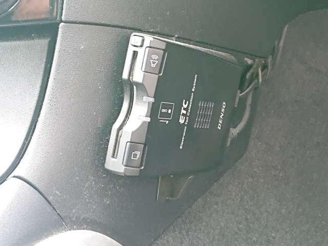 ドライブレコーダーの販売・取り付けを行っております!