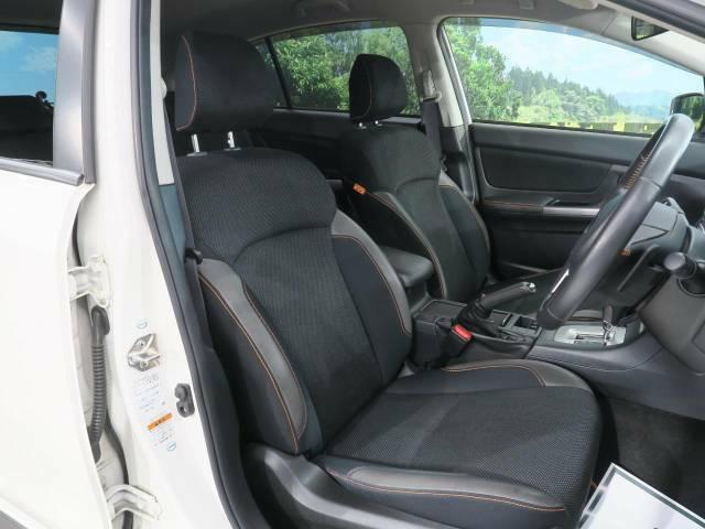 サイド/カーテンエアバック側面衝突時または車両横転時にルーフサイド部分から膨らみ、運転席と助手席の搭乗者および後席搭乗者の頭部、頚部を保護するエアバッグを搭載しております。