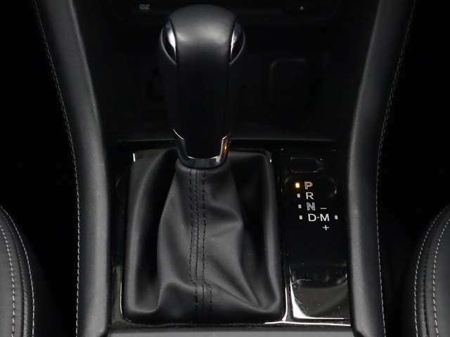 スカイアクティブドライブは「燃費の良さ」「ダイレクト感」「なめらかな変則」を徹底的に追及することで全てのタイプのトランスミッションの利点を集約した理想のATを目指したMAZDAの6速オートマです。