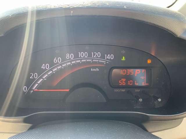 走行距離約5.6万kmのお車です!長く乗るにはピッタリのお車です!視認性も良く、ガソリンの残量も一目でわかります!