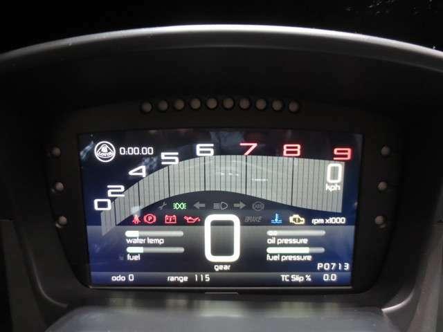 視認性の良いデジタルメーターはオープニング画面で3-ELEVENのロゴが出ます、乗るたびに喜びを感じられます。