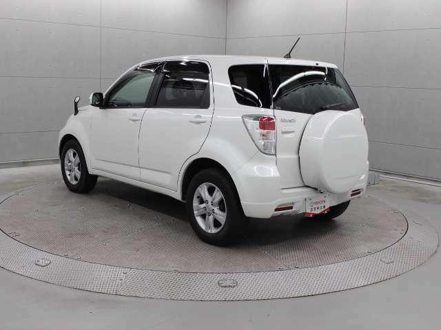ダイハツが開発・生産を担当し、トヨタへもOEM供給するコンパクトSUVモデルの「ラッシュ(Rush)」です。