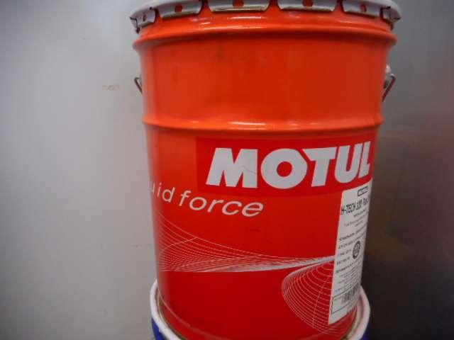 Bプラン画像:MOTULのフォルクスワーゲン メルセデスベンツ メーカー認証のエンジンオイルを使用します。