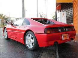 外装程度良好です!ボディーの塗面も美しく艶があり、大切に使用されていたことが分かる1台です!程度良好フェラーリ348Tb!