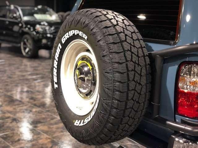 背面タイヤは足元と同じ物をお取り付けです!16AW「DEAN(ディーン)」のクロスカントリー白をチョイス!