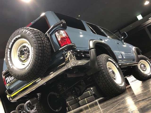 インパクトのある背面タイヤ!4駆感を高める貴重なアイテムです!