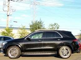 お車に合わせて、キズ落とし・塗装・部分ペイント・ガラスコーティング・ライトクリア・モールコーティング・デントリペア・AWリペア・モール交換を行っております。