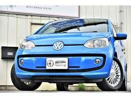 正面からのデザインも可愛いですよね☆ブルーも車にマッチしてますね☆