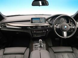 メーカーオプション多数のX5が入庫。ディーゼル車で経済的、かつ見た目もスポーティーなSUVでカッコよい1台です。