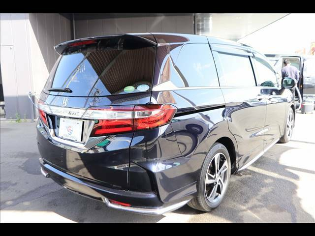 プロの磨きによりお車の輝きを取り戻し・維持・管理も容易になり2度の焼き入れによる強固に守るボディーガラスコーティング【スクラッチバリア】を導入しております、詳細はスタッフへお問い合わせください。