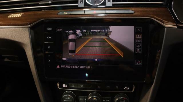バックカメラ装備で、後方も安心して確認ができ、駐車も楽々。